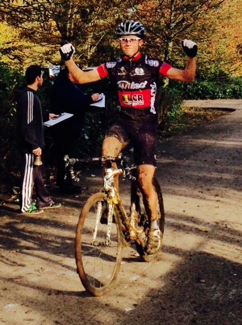 Au Cyclo Cross de  Jarny : Victoire de Thomas Seyzeriat (Pratique Sportive de Girauval) chez les Seniors et de Pierre Valentin (VC Hettange Grande) chez les Juniors – Les Classements