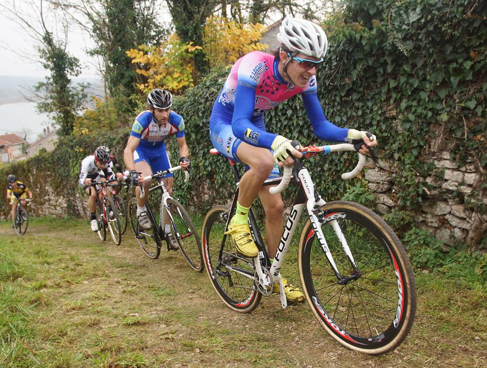 Cyclo-cross d'Hauteville (21) Victoire de David Derepas (Prodialog) – Aurélien Philibert (VC Hettange Grande) 4ème