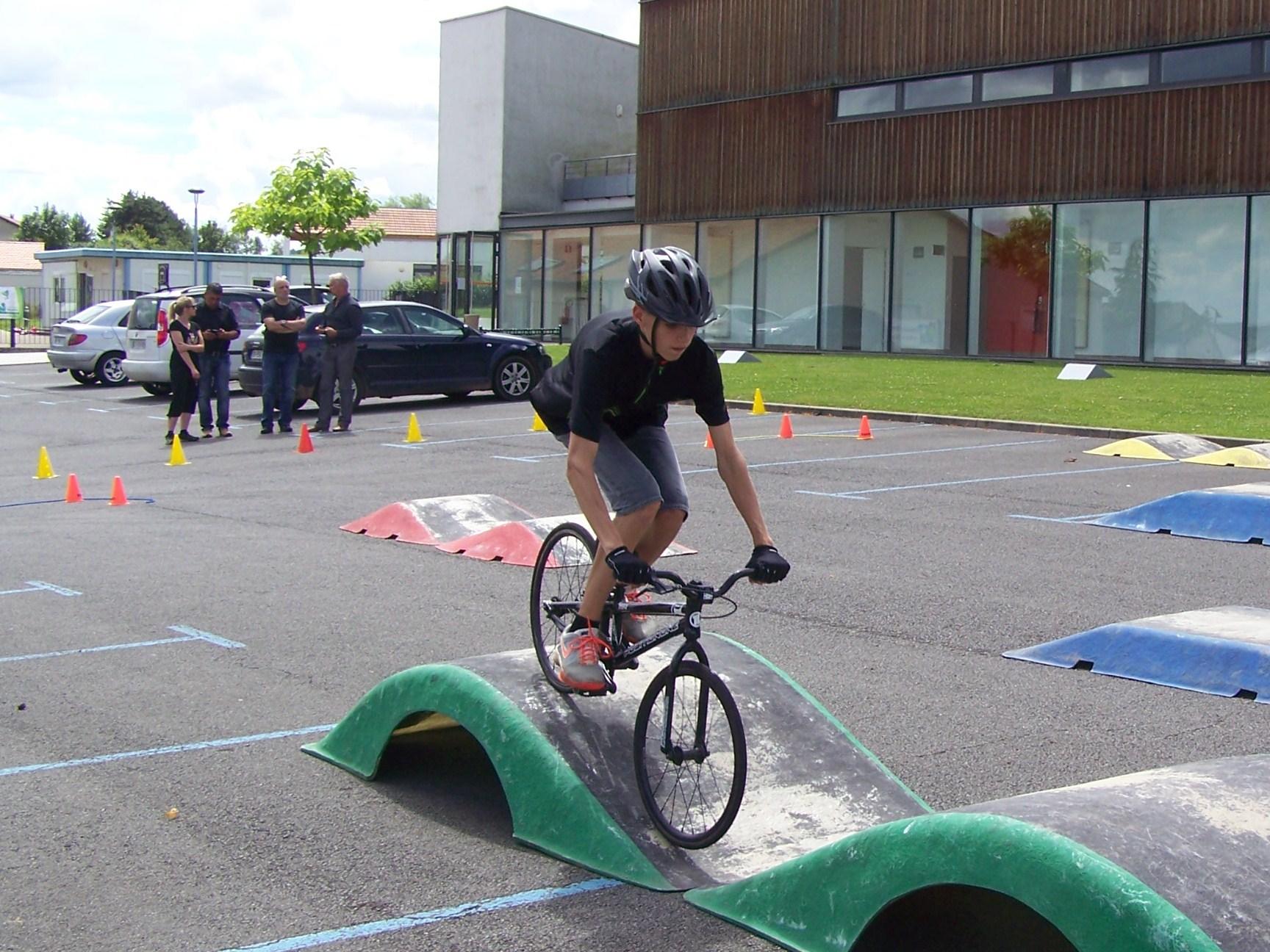 Le Vélo Club de Hettange Grande a participé à l'opération Moselle Macadam Jeunesse